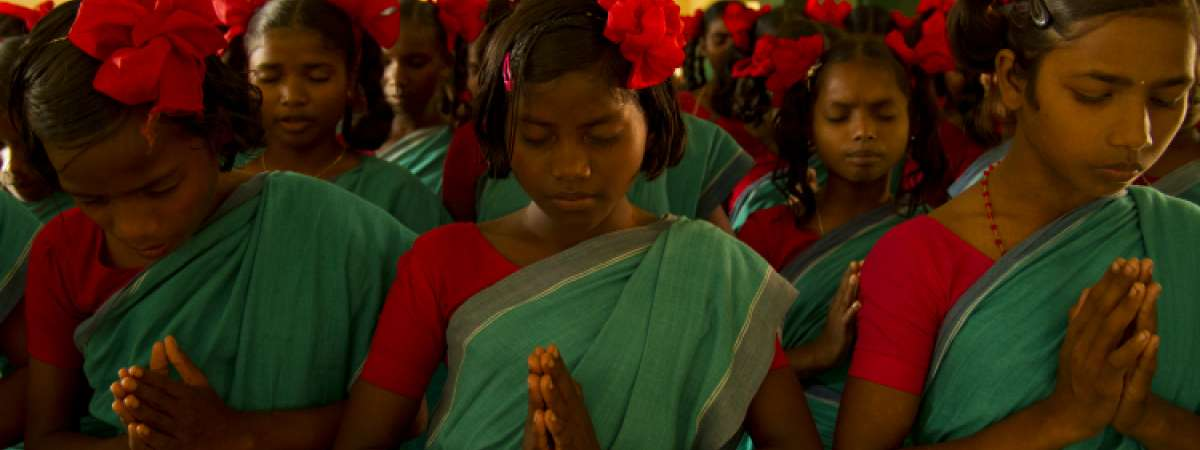 School girls pray in India - Christian Aid prayers