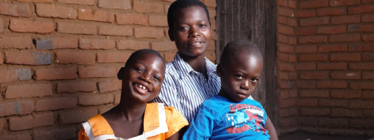 Esnart Mwenendeka with her children