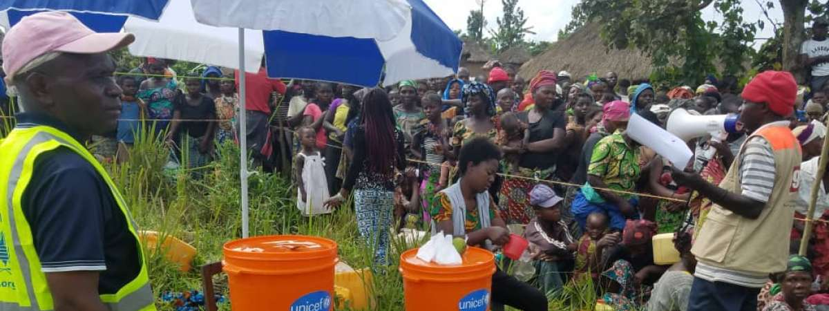 Sensitization on hygiene and the need to wash hands for beneficiaries of food rations in South Lubero, March 2019