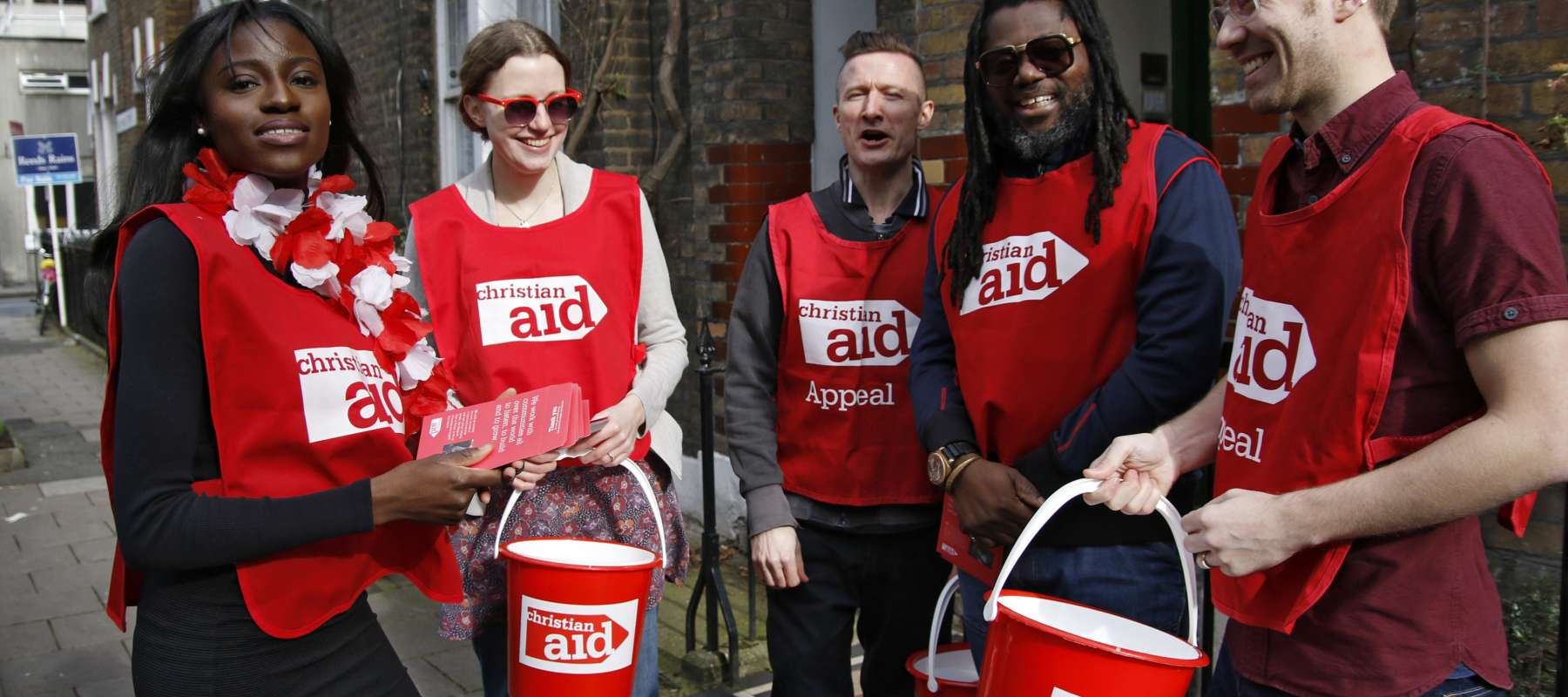 Volunteers fundraise for Christian Aid