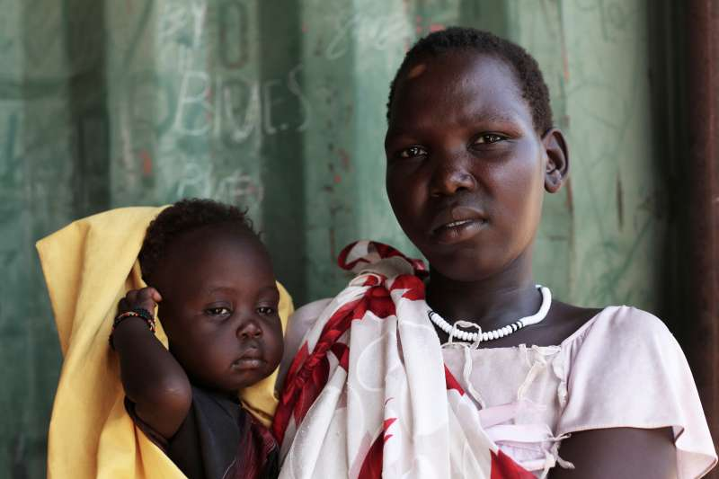 Mother and baby in South Sudan 1611124