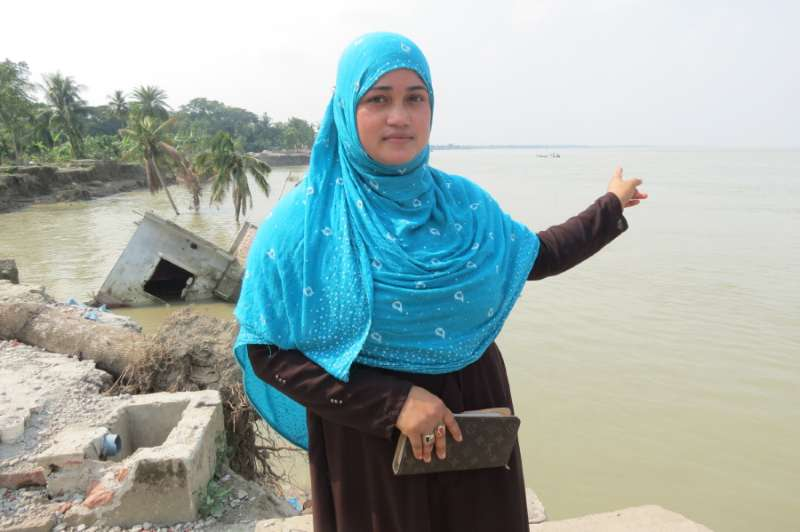 Shahnaz on the banks of the Padma river