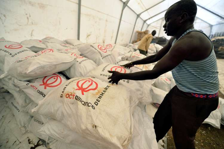 Distribution of aid in South Sudan