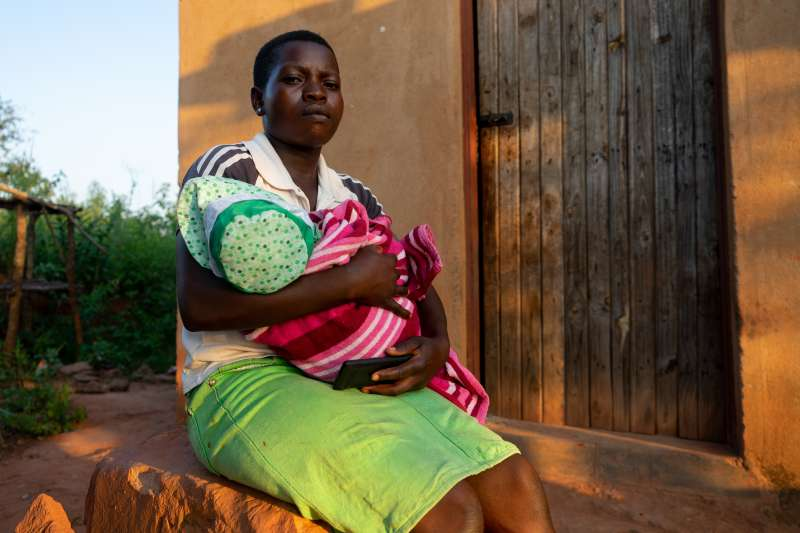 A mother affected by Cyclone Idai in Zimbabwe - Christian Aid