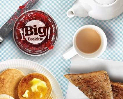 Big Brekkie table and logo
