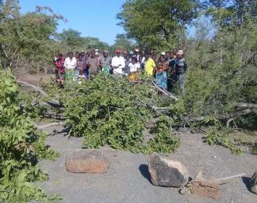 Local community blocking the road to secure rights to water