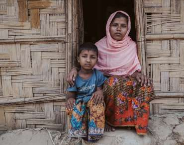 Rohingya refugees Jannat and her brother Arafat (names changed)