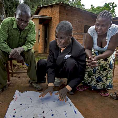 Community in Malawi plans early warning disaster management