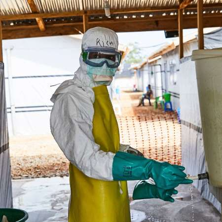 Ebola appeal medic in suit